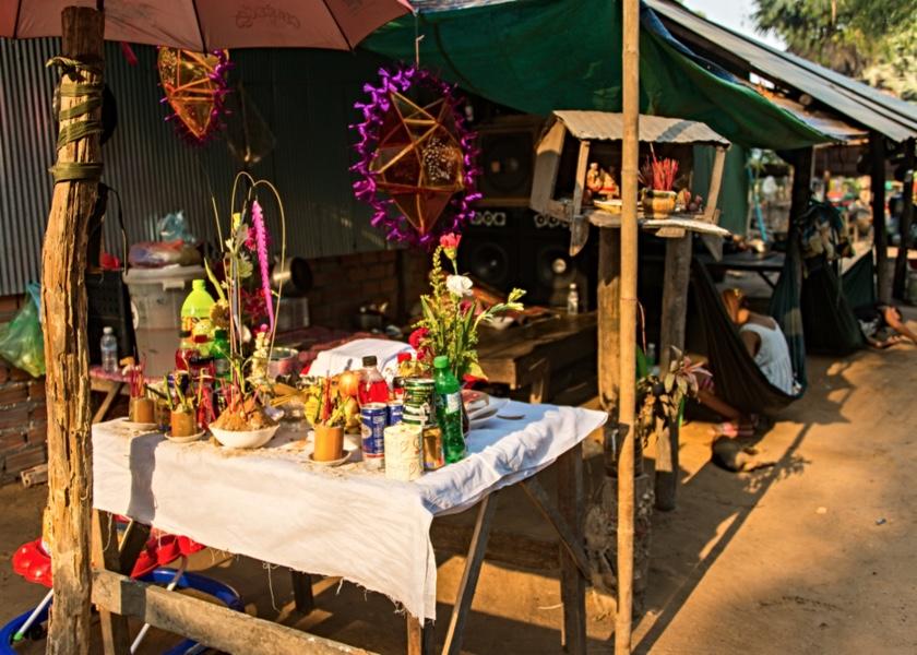 Interactive Walking Adventure in Phnom Penh